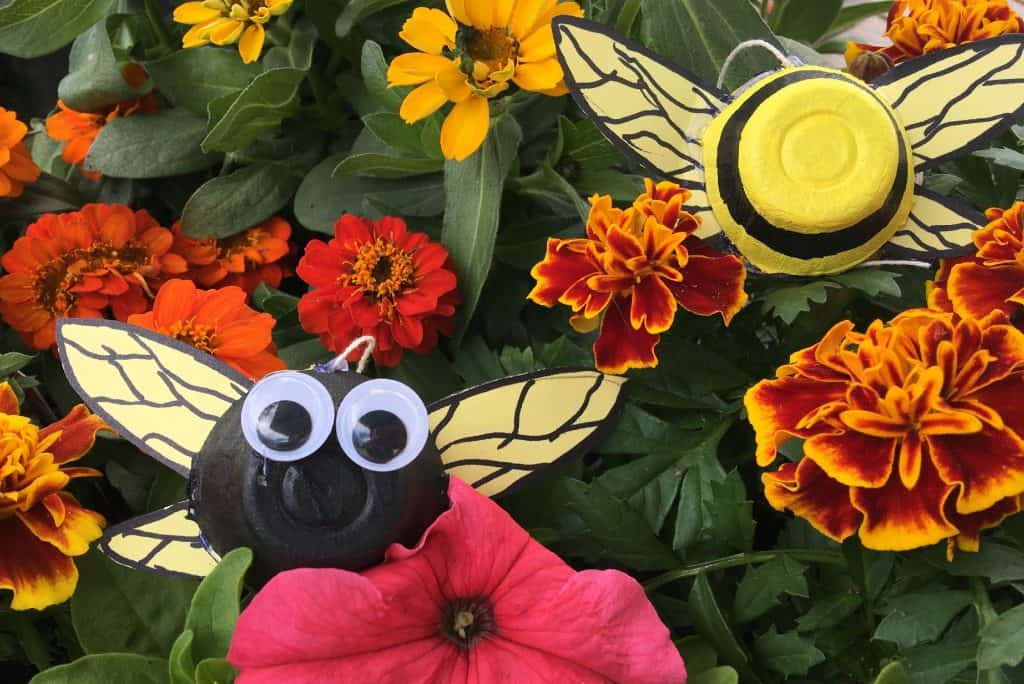 bee egg carton craft